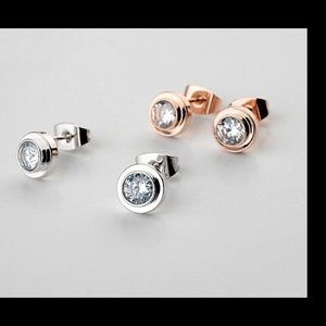 ❤️Rose gold fashion stud earrings